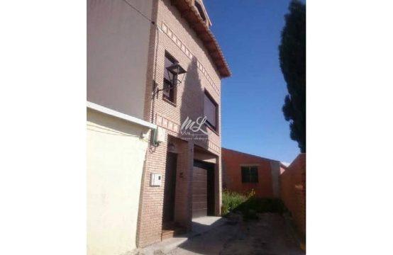 Casa adosada en venta en Ciruelos