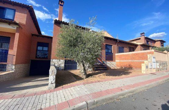 Casa en venta en Burguillos de Toledo